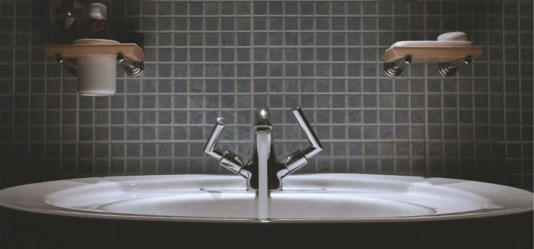 bateria łazienkowa kapie woda